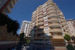 Beach apartments for sale in Alanya. Resale apartment for sale fully furnished in Tosmur only 200m from sandy beach.