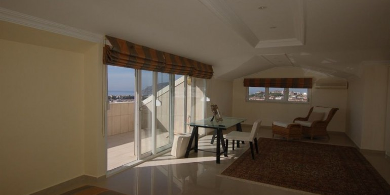 Apartment-for-sale-in-alanya-penthouse-duplex-in-alanya-cikcilli-turkeyDSC_9353_900x500.JPG_1
