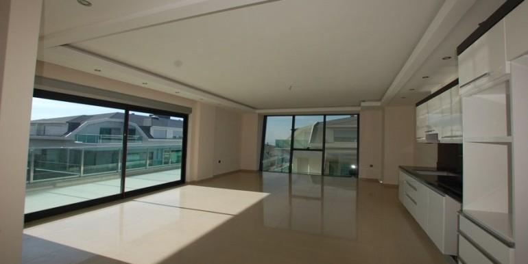 Seaview-apartment-in-alanya-seafront-apartment-in-alanya-seaside-homes-kargicak-for-sale-apartmentDSC_0985_900x500.JPG_1