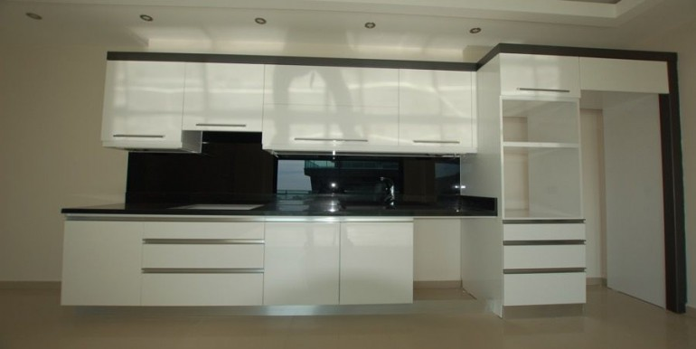 Seaview-apartment-in-alanya-seafront-apartment-in-alanya-seaside-homes-kargicak-for-sale-apartmentDSC_0988_900x500.JPG_1